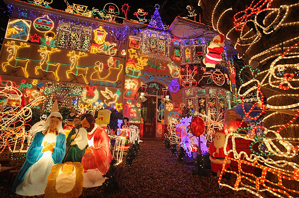 Xmas_lights_02 - The Fear That Defeats And Dreams Are One: